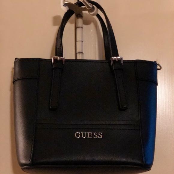 6a2ca067af9f Guess Handbags - LIKE NEW Guess Black Delaney Small Classic Tote